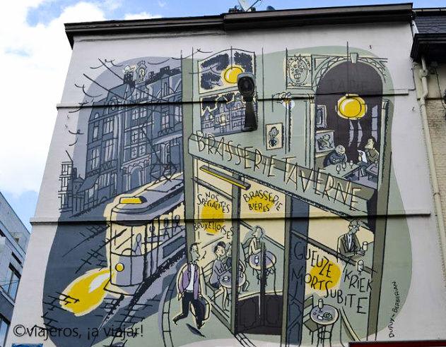 BRUSELAS. comic en fachada