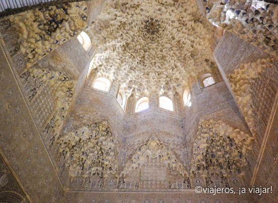 GRANADA. Artesonado alhambra. Andalucía