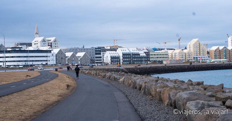 Paseo Marítimo de Reikiavik