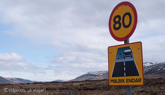 Conducir en Islandia.