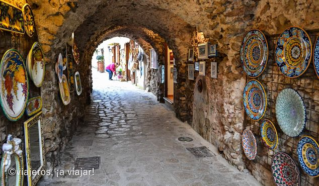 Ravello Venta de cerámica local