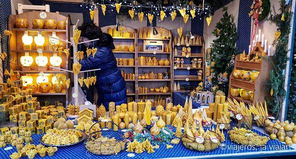puesto de velas de los mercados navideños